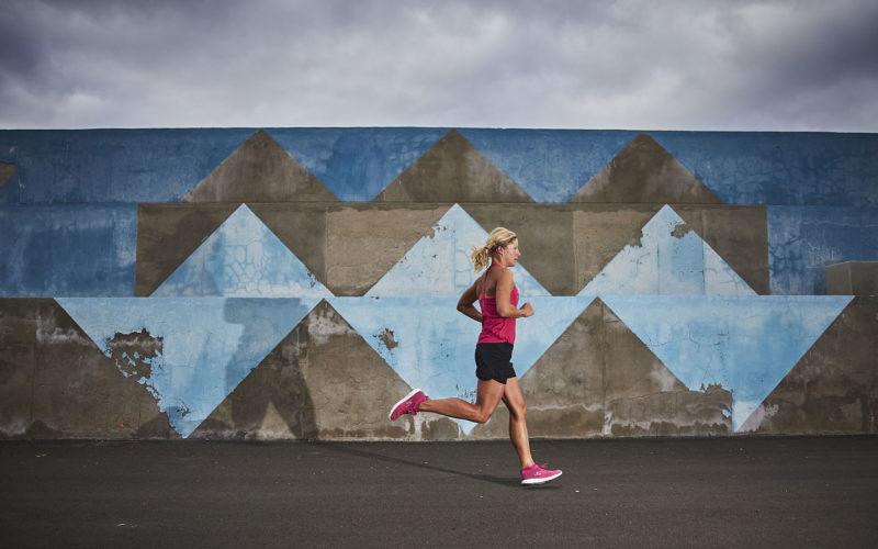 Anja Beranek running, measuring HRV
