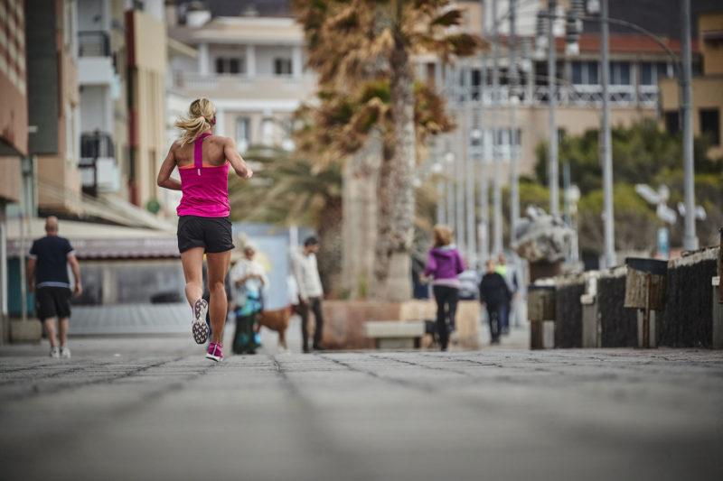 Vergleich cosinuss vs. Brustgurt - Running in the street