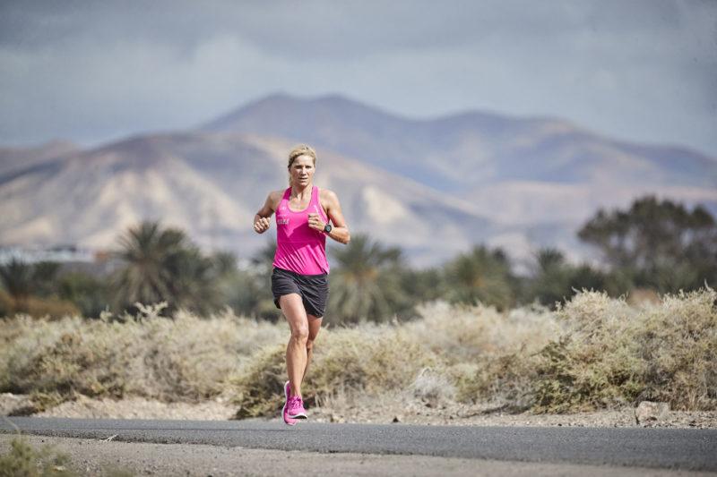 Anja Beranek runs through the heat.