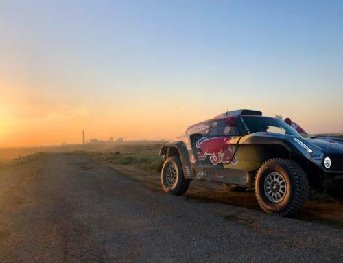 Mit cosinuss° One bewahren Rallyefahrer auch in der Wüste einen kühlen Kopf